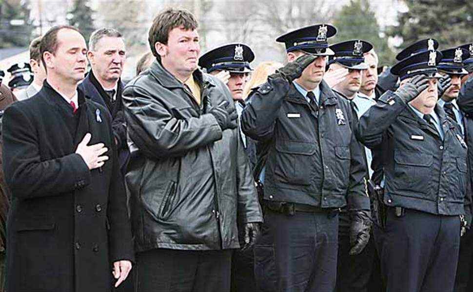 Memorial-ceremony-concludes-for-fallen-Toledo-police-detective