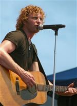 Dierks-Bentley-s-career-is-on-fast-track
