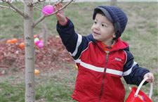 Children-find-Olander-Ottawa-parks-hopping-with-Easter-activities