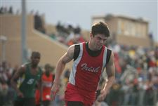 St-John-s-coasts-to-Knight-Relays-title-3