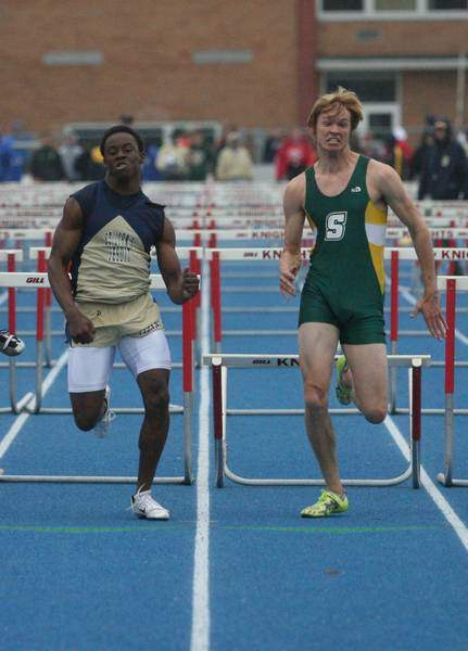 St-John-s-coasts-to-Knight-Relays-title-2