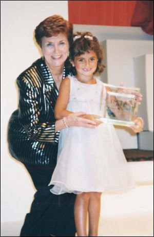 Margaret O'Brien with Alyson Stoner, one of her students. Stoner went on to become an actress, starring in the film <i>Cheaper by the Dozen.</i>