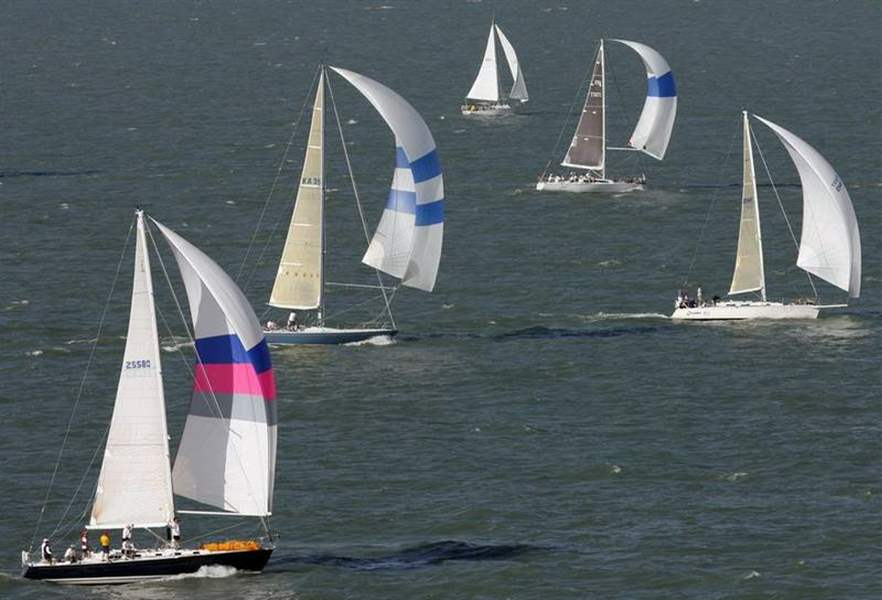 Spinnaker-wind-gets-Mills-Trophy-Race-off-to-fast-start-2