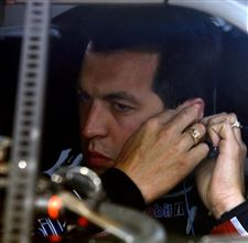 Hornish-No-2-debut-3