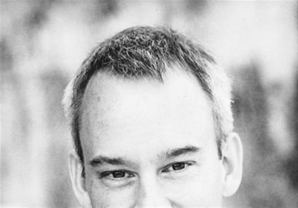 Toledo-born bestselling writer Scott Smith talks about his