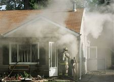 Neighbor-s-timely-knock-rouses-teen-in-West-Toledo-house-fire-2