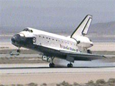 Shuttle-Atlantis-touches-down-at-Edwards-Airforce-Base-in-California
