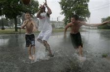 Rainfall-picks-its-spots-in-visit-to-Toledo-area