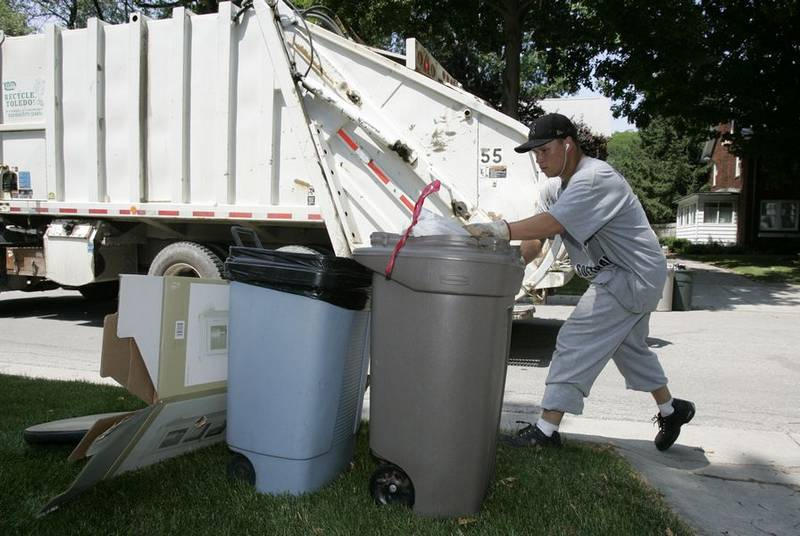Lawsuit Could Force San Go To Resume Fee Trash Pick Up For Many The Union Tribune