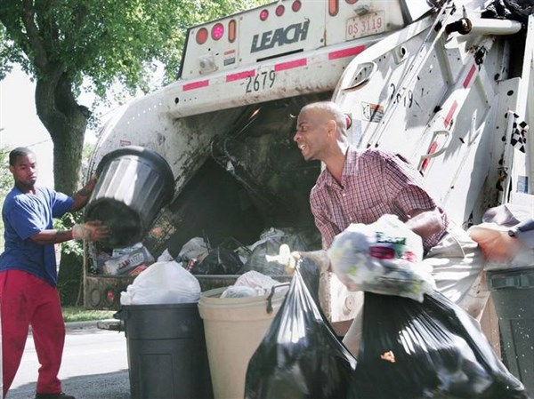 Extra week's worth of trash puts Toledo collectors on