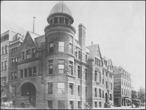 The ornate building, at Madison Avenue and Huron Street was the original location of the club. Its guests included Presidents William McKinley, Theodore Roosevelt, and William H. Taft.