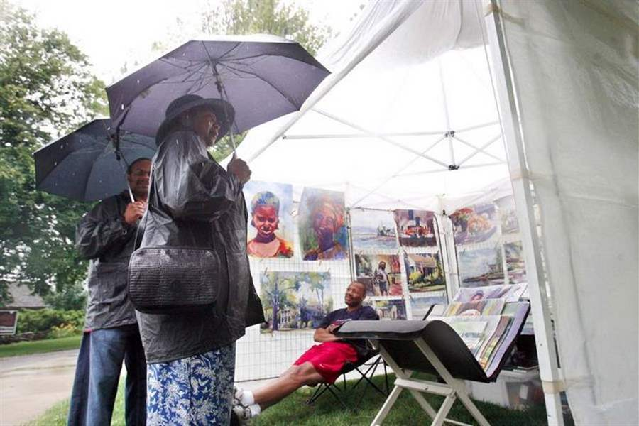 Rain-fails-to-dampen-spirit-of-art-show