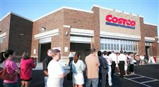 Costco-clients-converge-as-deals-delight