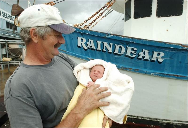 http://www.toledoblade.com/image/2007/08/31/800x_b1_cCM_z/Ship-s-captain-delivers-cook-s-baby-on-boat-uses-CPR.jpg