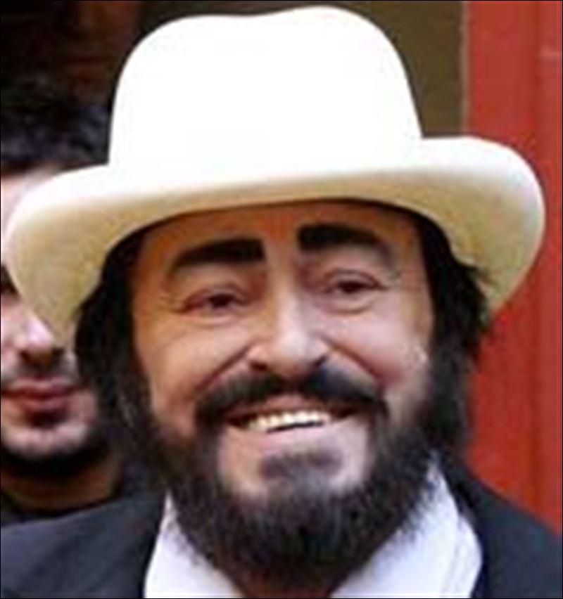 Tenor pavarotti 71 dies of cancer in italy toledo blade for Nicoletta mantovani pavarotti