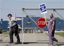 UAW-strikes-at-GM-plants-idles-1-850-Toledo-workers-4