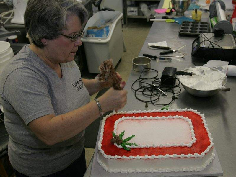 Cake Art Supplies Toledo : Groom s cakes, a Southern wedding staple, are catching on ...