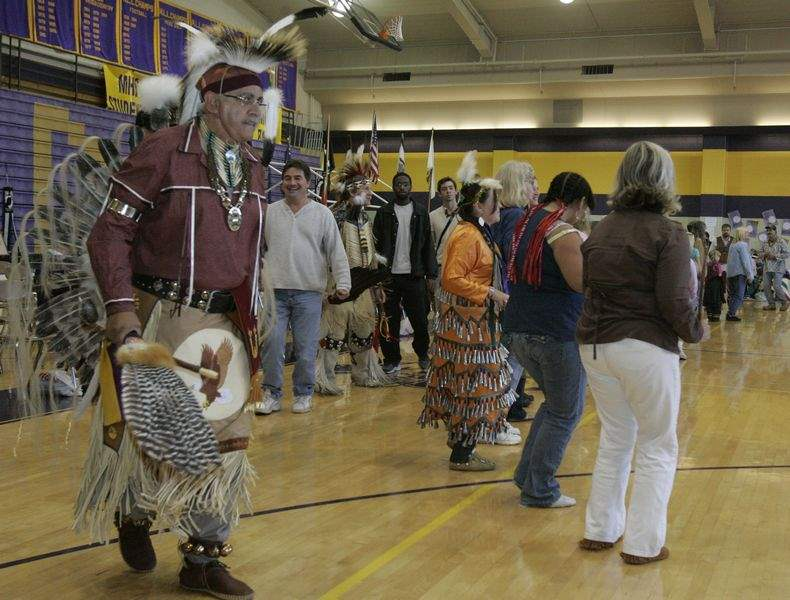 Annual-pow-wow-preserves-heritage-with-dance-delight-4
