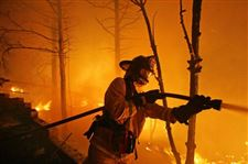 Winds-give-crews-a-chance-to-fight-back-against-Calif-wildfires