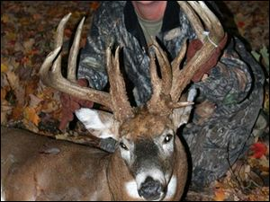 A week ago Sunday, Vicki Mountz used her crossbow to bring down a 275-pound, 18-point nontypical buck that wandered under her stand in Franklin County. A trail camera snapped a picture of