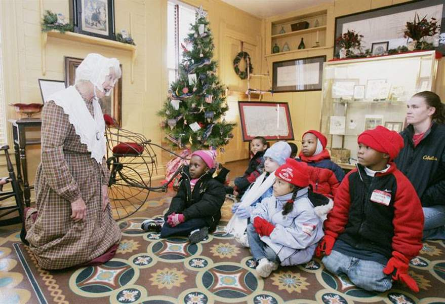 About-the-Wolcott-House-Yes-Virginia-the-museum-has-Santas-2