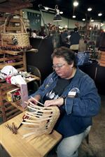 ARTISANS-OFFER-WARES-AT-THE-LUCAS-CRAFTS-FOR-CHRISTMAS-SHOW-3