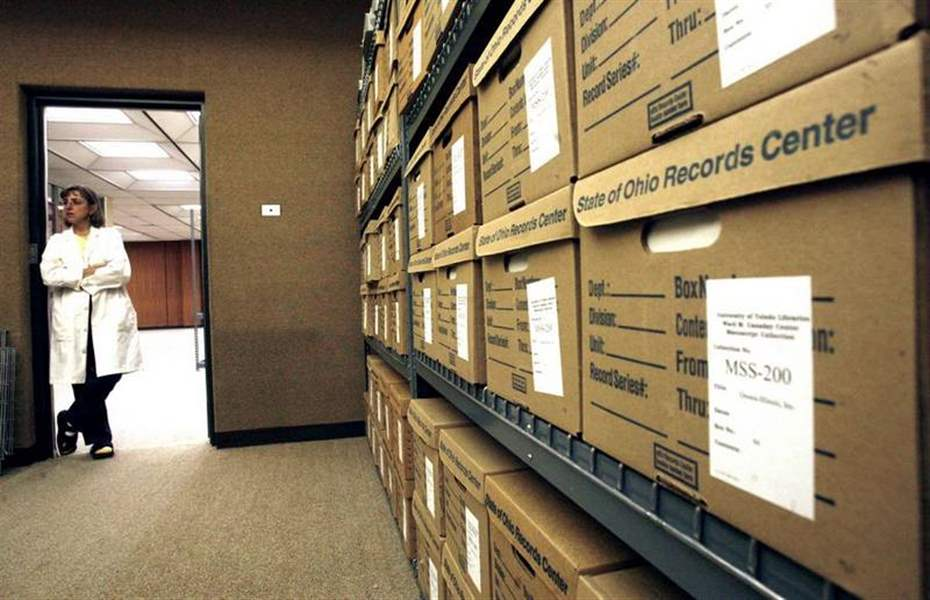 University-of-Toledo-library-adds-Owens-Corning-s-historic-collection-3