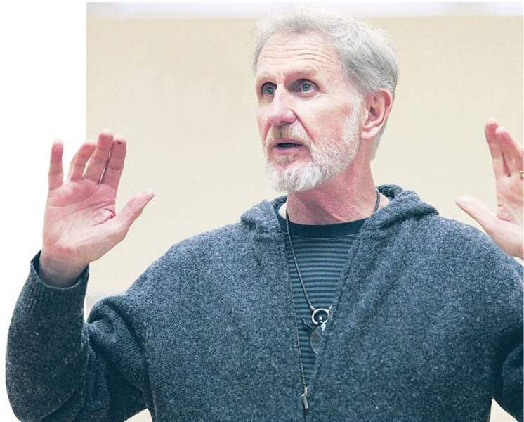 Rene-Auberjonois-noted-actor-with-Toledo-ties-teaches-a-class-at-University-of-Findlay