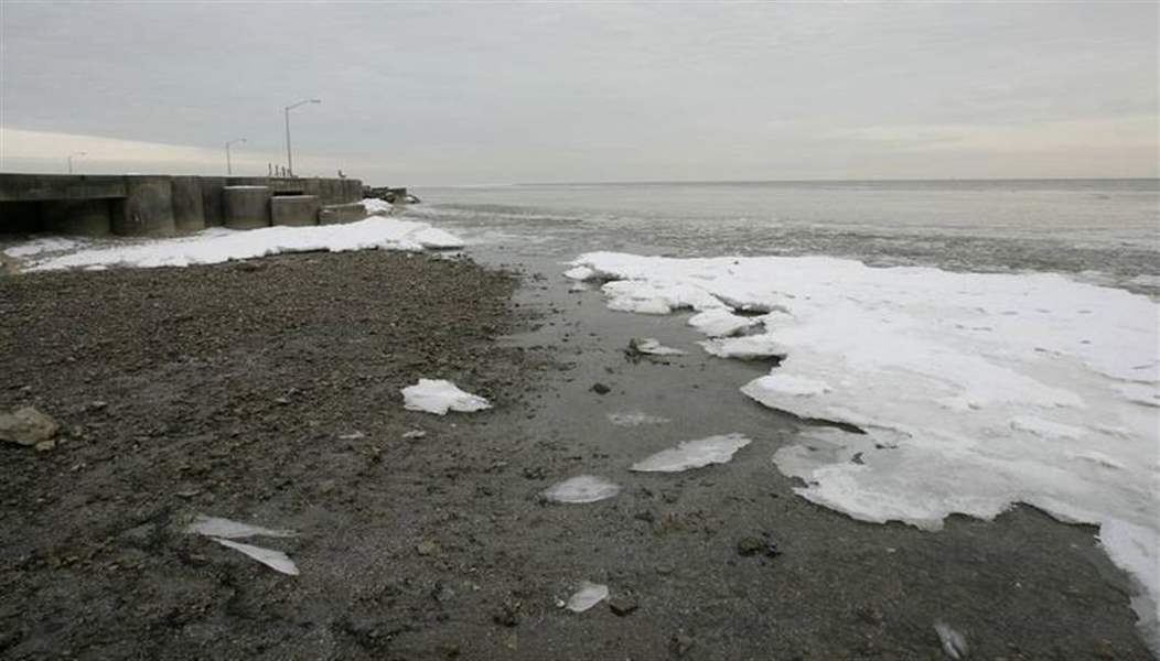 Lake-Erie-s-water-level-could-plunge-3-to-6-feet-as-Earth-s-temperature-rises-2