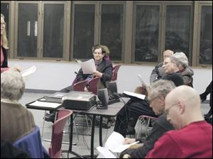 Shari Kochman of the Cleveland office of the Anti-Defamation League speaks at a workshop on responding to offensive, racist and anti-Semitic behavior. The program was held at the Jewish Community Center in Sylvania.