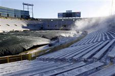 Lambeau-calls-for-layers-Frigid-temperatures-to-test-each-team-s-resolve