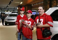 Thousands-of-fans-at-opening-of-auto-show