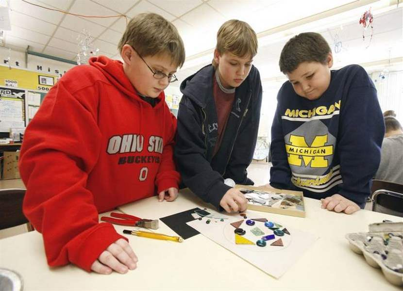 EISENHOWER-ART-CLUB-MAKE-GLASS-MOSAICS-2