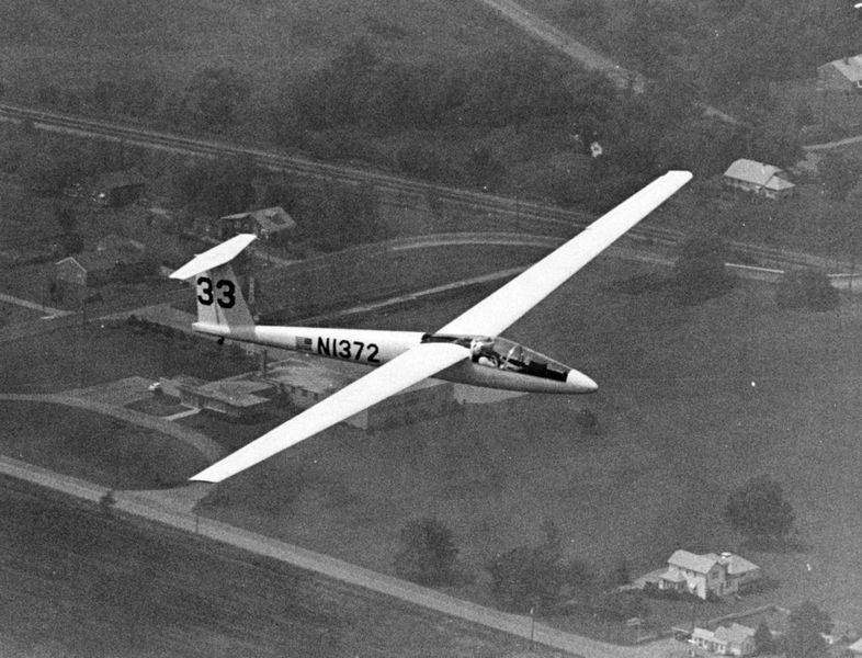 NW-Ohio-glider-pilot-s-collection-lands-in-Smithsonian-3