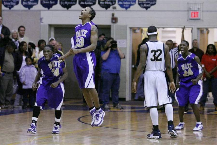 Jackson-s-basket-puts-Waite-in-CL-playoffs