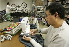 Jail-inmates-quilt-fix-bikes-in-Monroe-County-2