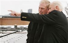 Art-museum-turns-sunny-side-up-Strickland-visits-to-examine-installation-of-solar-panels-2