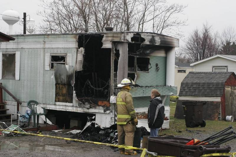 Mobile home fire kills family of 5 in ada ohio the blade for Ada mobile homes
