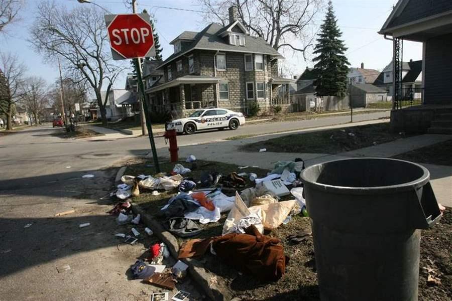 Toledo Trash Pickup Gets Mixed Reviews The Blade