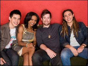 One viewer says the contestants, including (from left) finalists David Archuleta, Syesha Mercado, David Cook, and Jason Castro, have been harder to get to know this season.