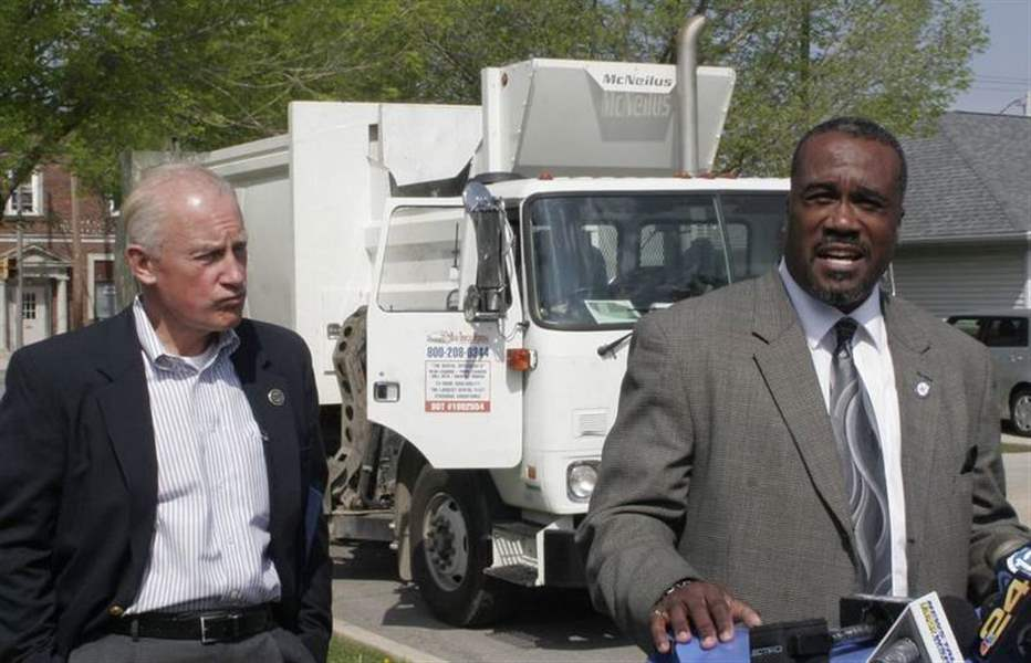 Toledo-s-automated-refuse-program-off-to-a-clean-start-2