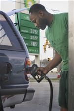 Motorists-groan-as-gas-pushes-3-75-a-gallon-threshold