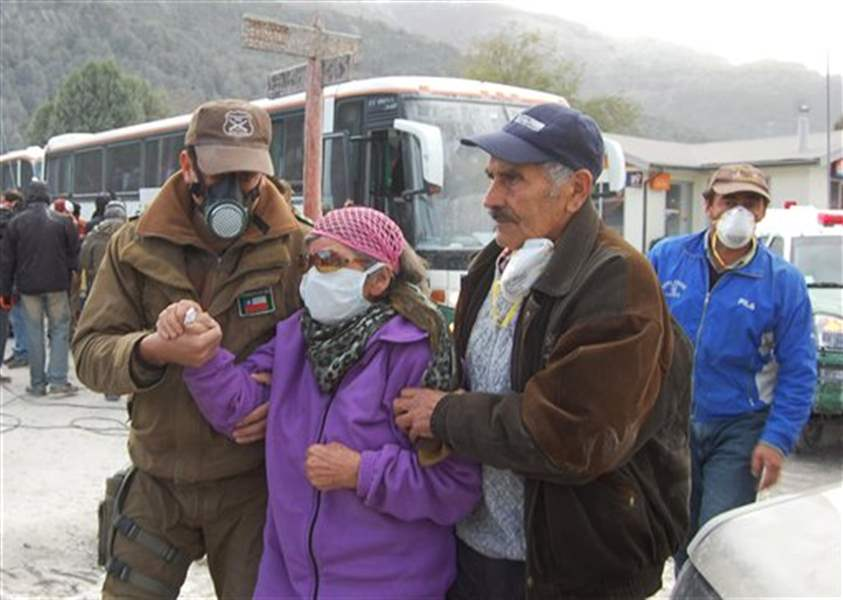 Chilean-volcano-eruption-increases-officials-order-total-evacuation-of-area