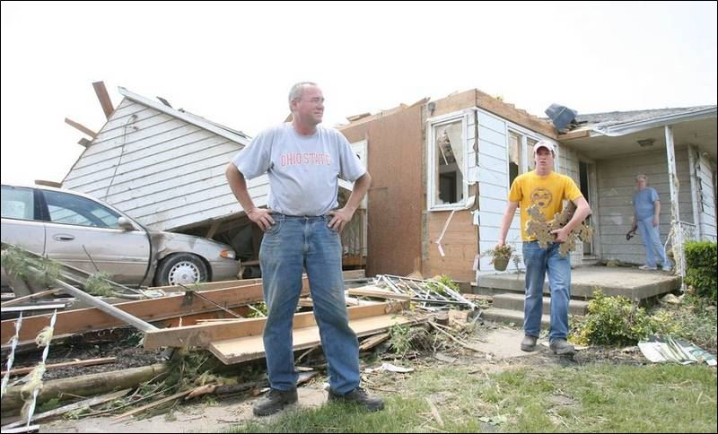 Overnight twisters wreck homes in northwest ohio toledo for Home builders in northwest ohio