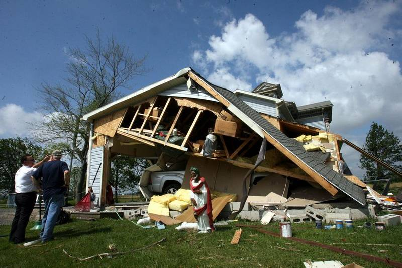 Overnight twisters wreck homes in northwest ohio the blade for Home builders northwest ohio