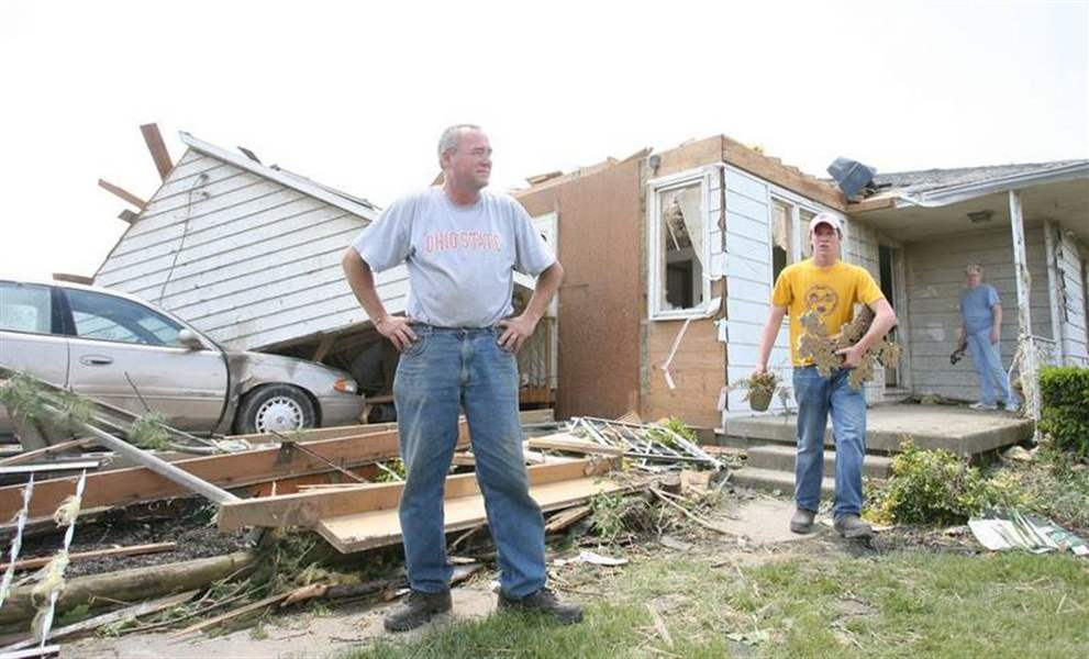 Overnight twisters wreck homes in northwest ohio the blade for Home builders in northwest ohio