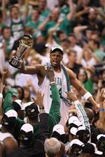 Boston-Celtics-Paul-Pierce-34-holds-the-MVP-trophy-up-for-the-crowd-after-the-Celtics-won-the-series