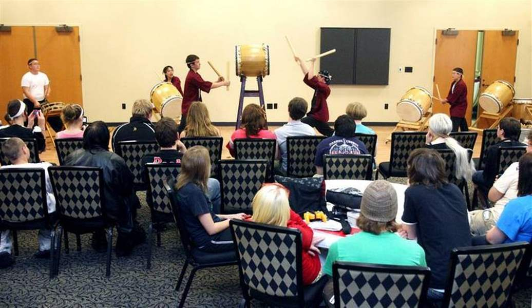 JAPANESE-DRUMMING-COMES-TO-BEDFORD