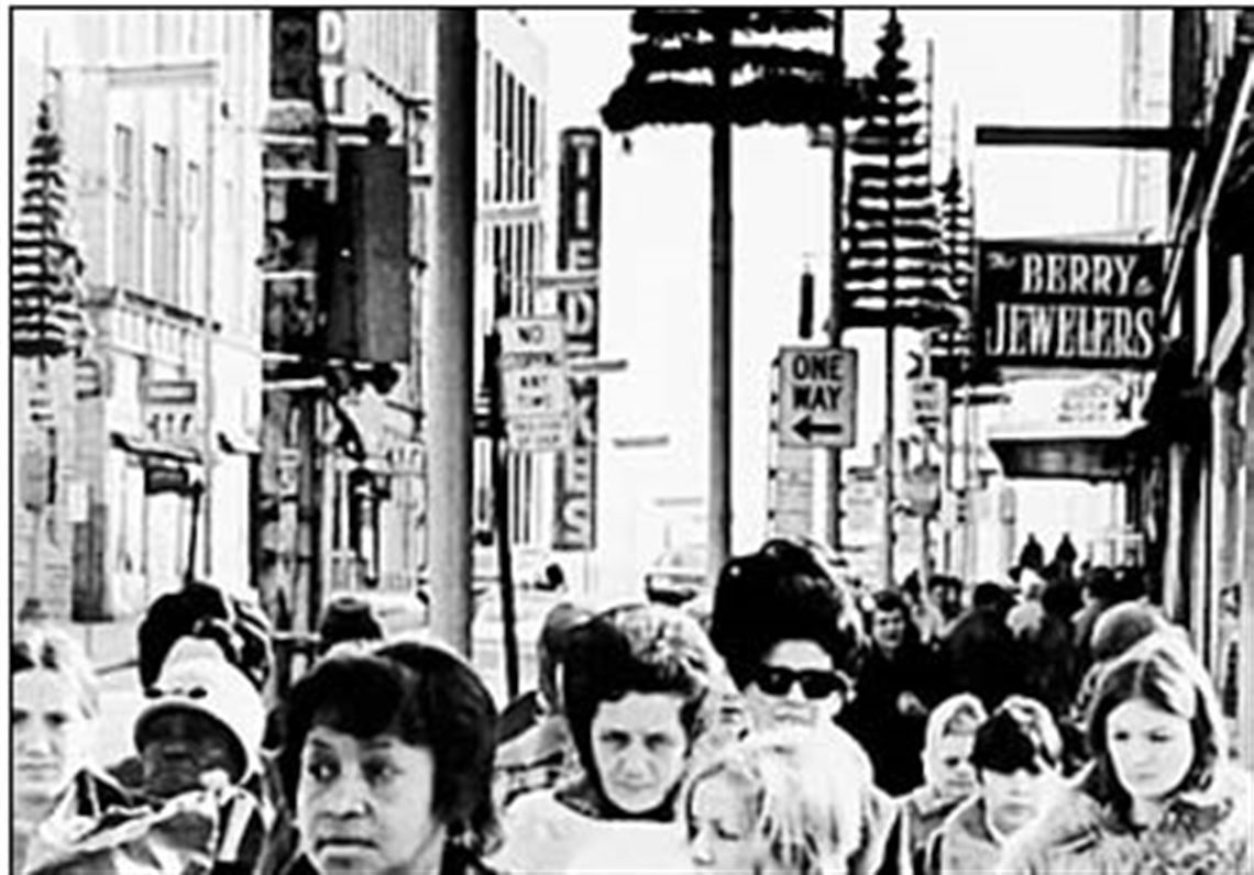 Downtown Toledo teemed with activity into the '70s | Toledo Blade