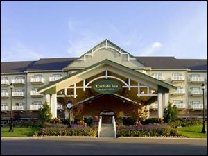The Carlisle Inn at Sugarcreek, built in 2004, is a large, luxurious departure from traditional lodging in Ohio Amish country.